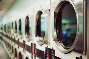 trucos-lavado-ropa-infantil-uniformes-escolares