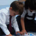Consejos para lavar los uniformes escolares y ropa infantil